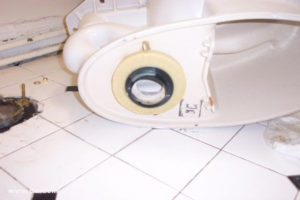 Toilet-Repair-how-to-replace-a-broken-flange